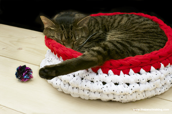 How to Crochet a Cat Bed House Bag O Day Crochet Tutorial #289 ... | 399x600