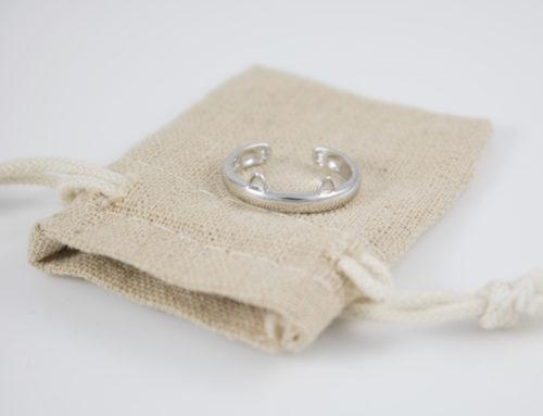 Cat-Ring-Burlap