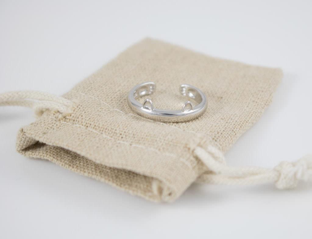 Cat-Ring-Burlap-1024x785