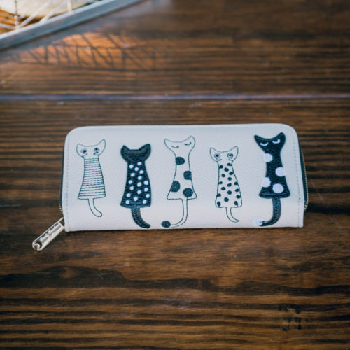 Zip Up Long Wallet With Embroidered Cat Design - Ivory